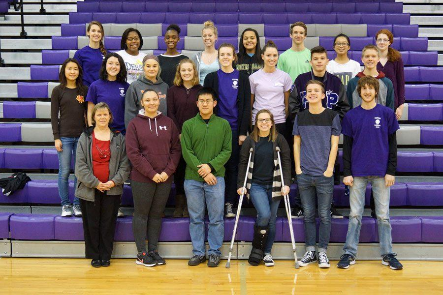 The+2015-16+Scholars+Bowl+team+poses+for+a+yearbook+group+photo.+Students+involved+in+Scholars+Bowl+often+are+active+in+other+school+activities.