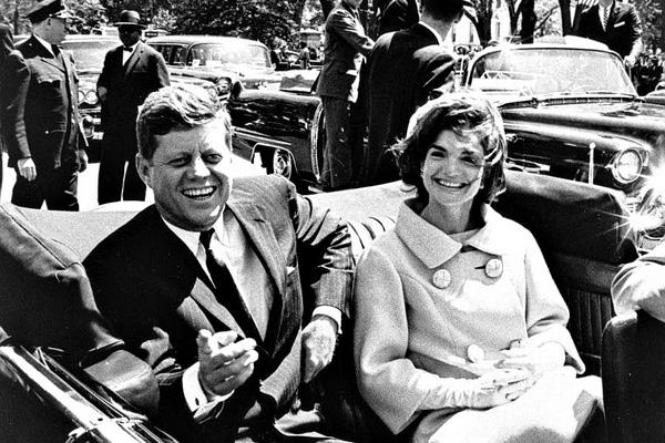 Image #: 25451428    epa03949045 (22/89) (FILE) A file picture dated 03 May 1961 shows US President John F. Kennedy and First Lady Jacqueline Kennedy following arrival ceremonies for H. E. Habib Bourguiba, President of Tunisia, at Blair House, in Washington, D.C., USA. 22 November 2013 marks the 50th anniversary of John F. Kennedy assassination on 22 November 1963 at Dealey Plaza in Dallas, Texas, USA. Lee Harvey Oswald was accused of the shooting and was later killed himself on 24 November 1963 by a gunshot by Jack Ruby.  EPA/ABBIE ROWE / NATIONAL PARK SERVICE /LANDOV