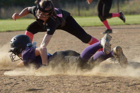 JV softball goes 2-0 At Lansing