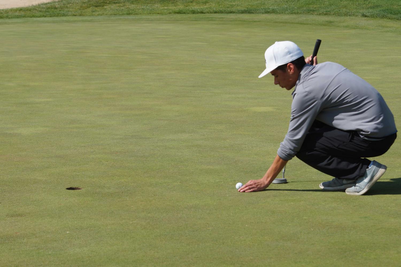 Boys' golf team swings for improvment