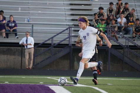 Boys Varsity Soccer Gets Defeated in Overtime