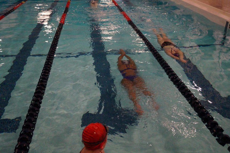 Senior+Sascha+Dean+practices+for+varsity+girls%27+swim.+