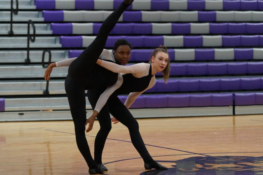 Senior Isley Ford and Sophomore Morgan Slaughter perform their duo Escalate at the dance showcase on April 17.