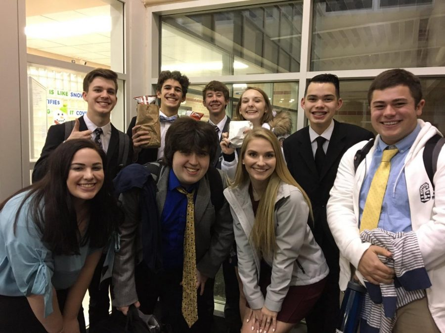 Piper+Debate+prepares+for+the+State+Debate++Tournament+at+Fort+Scott.+