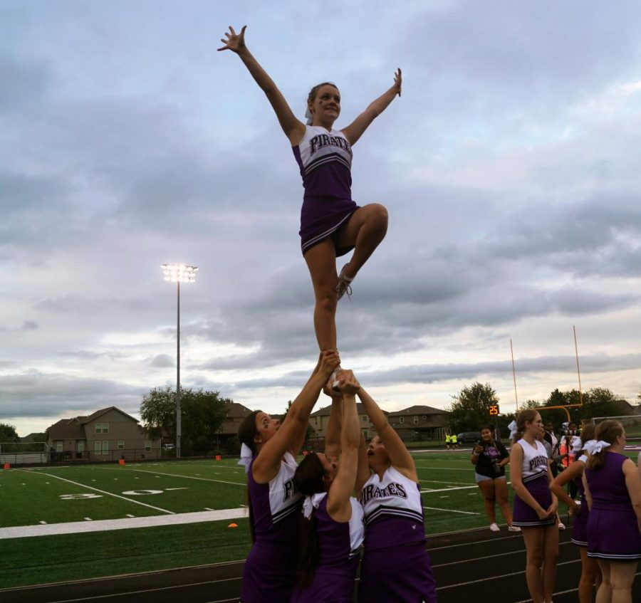 Cheerleaders should be lifting weights for safety matters