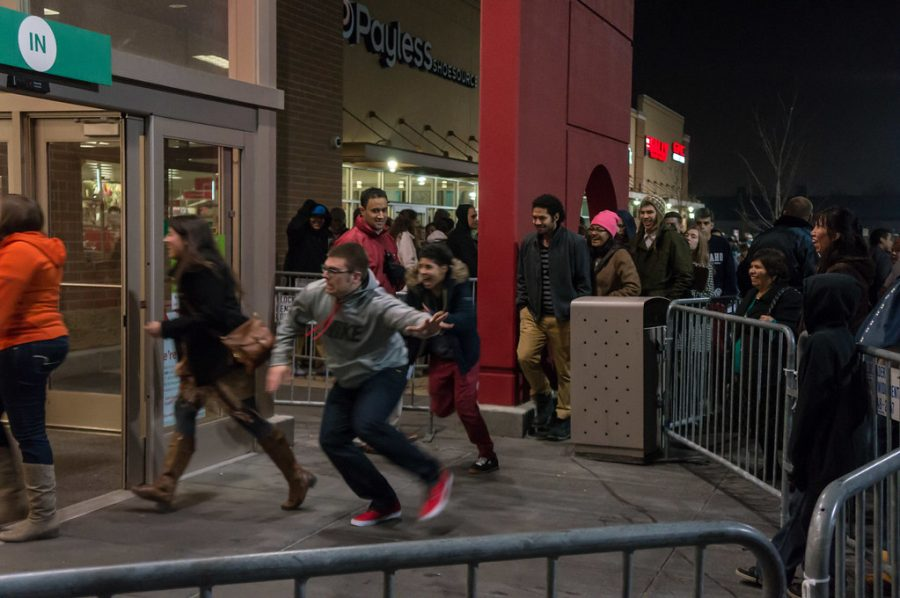 Black Friday shoppers face potential COVID-19 threat